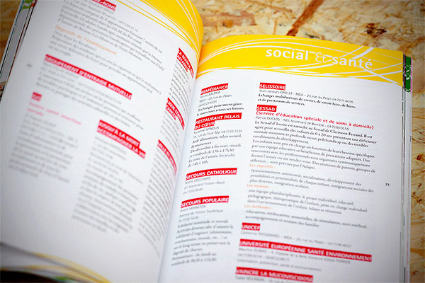 Catalogue réalisé pour la ville d'Issoir par l'Agence des Monstres. Création graphique et mise en page.