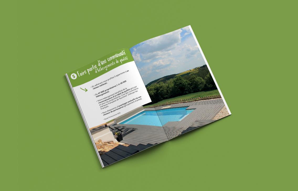 Une des doubles intérieurs d'une brochure réalisée dans le cadre de la dernière campagne de Gîtes de France Loiret.