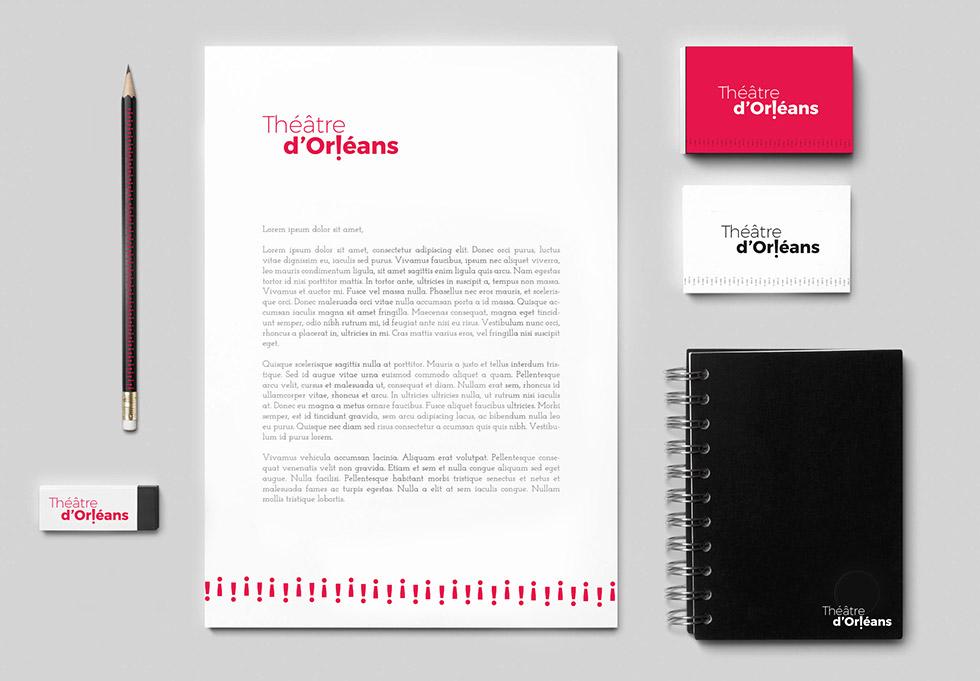 Déclinaison du logo créer pour le théâtre national de la ville d'Orléans, sur des cartes de visite, en-tête et bas de pages et autres papeteries, ce graphisme a été créée par l'agence des monstres à Orléans.