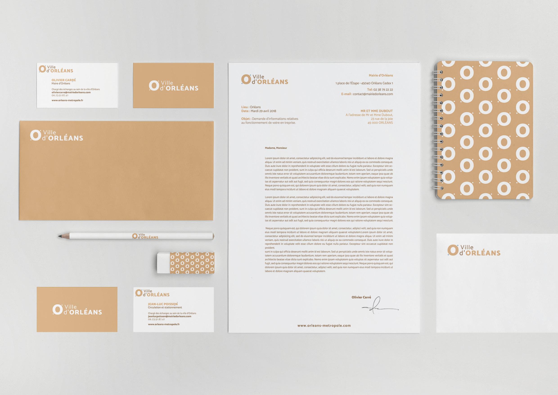 declinaison identité sur support papier et print, lettres, carte de visite, carnet ..