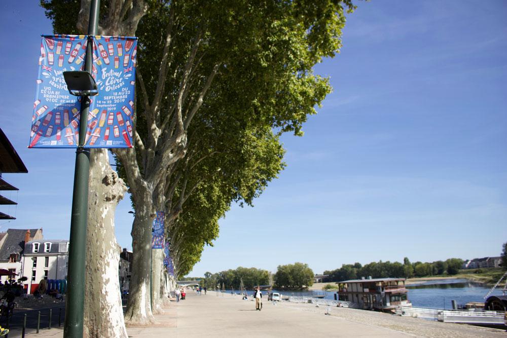 kakemono du festival de loire 2019 sur les quais d'Orléans par notre agence de communication