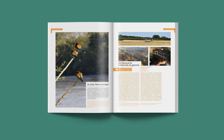 double page mise en page par l'agence des monstres de la brochure de l'office de tourisme