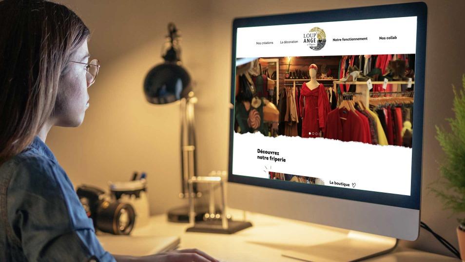 Site internet de Loup Ange, la friperie à Orléans avec le logo créer pa l'agence des monstres